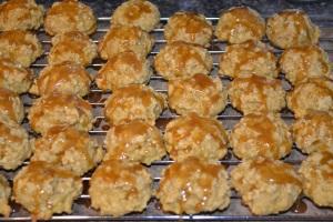 Iced Pimpkin Oatmeal Cookies